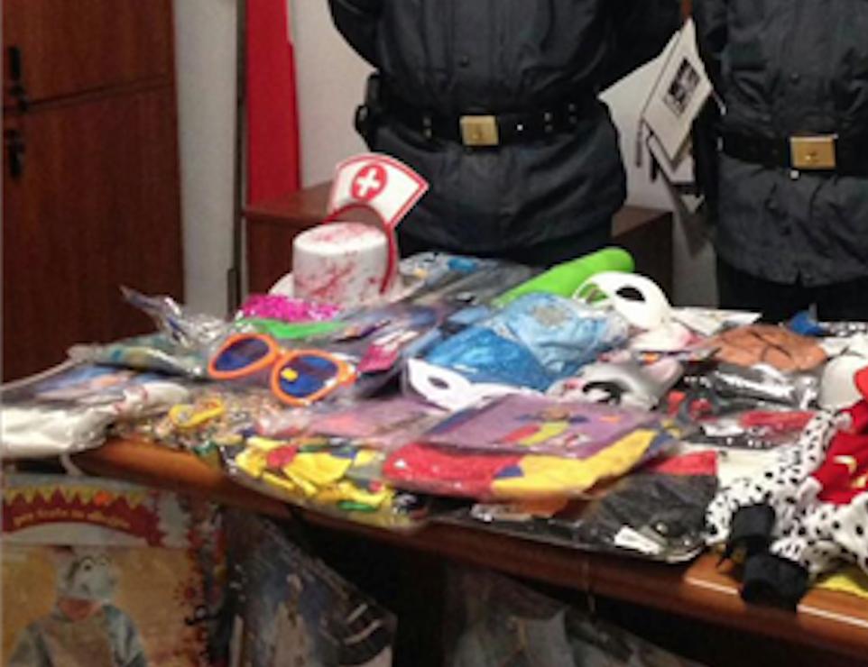Photo of Nola. Sequestrati più di 2 milioni di articoli di Carnevale e San Valentino non sicuri
