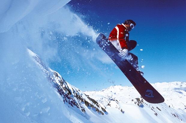 Photo of Courmayeur, perde la vita uno snowboarder: sciava fuori pista