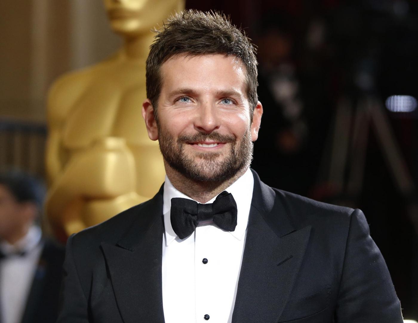 """Photo of Bradley Cooper svela: """"Mio nonno era napoletano, mi ha trasmesso i valori del sud"""""""