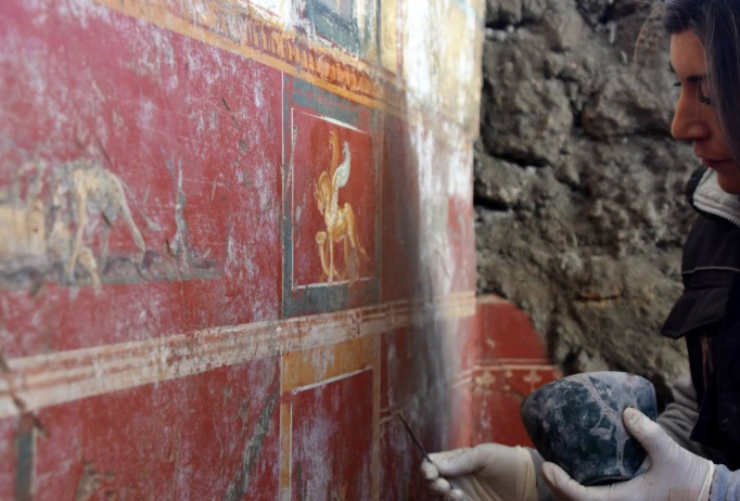 Photo of Pompei. Nuova scoperta nella Regio V: riemerge stanza di Leda e l'Atrio di Narciso