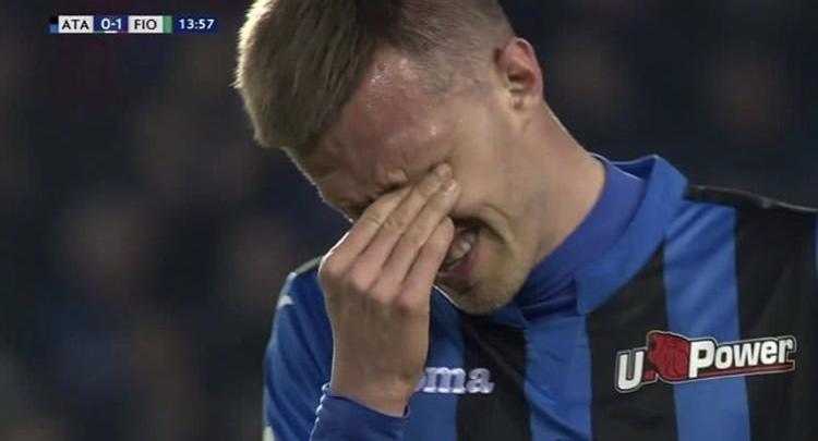 Photo of Davide Astori, dalle lacrime di Ilicic alla lettera dei genitori: il calcio italiano si stringe nella memoria del capitano viola