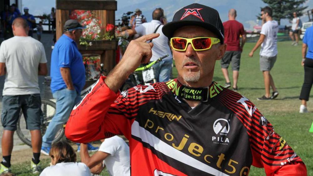 Photo of Val d'Aosta, precipita aereo: morto l'ex campione del mondo Corrado Herin