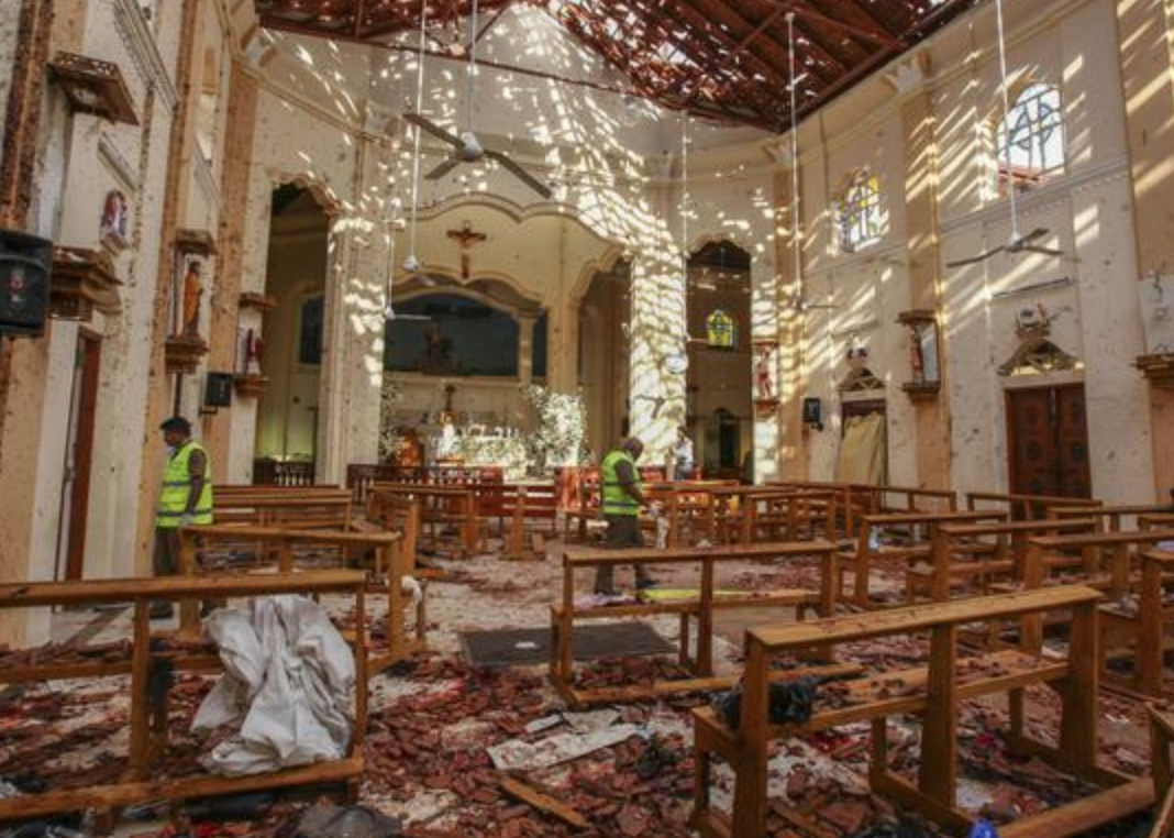 Photo of Attentati Sri Lanka: bilancio sale a 310 vittime, arrestate 40 persone
