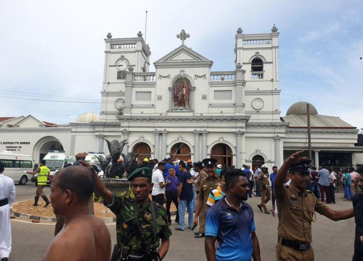 """Photo of Attentati in Sri Lanka. """"Siamo spaventati"""": la testimonianza di una turista salernitana"""