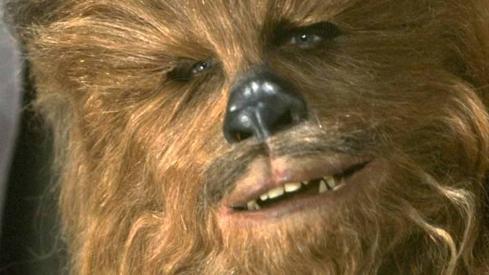 Photo of Si è spento Peter Mayhew, il Chewbacca di 'Star Wars'