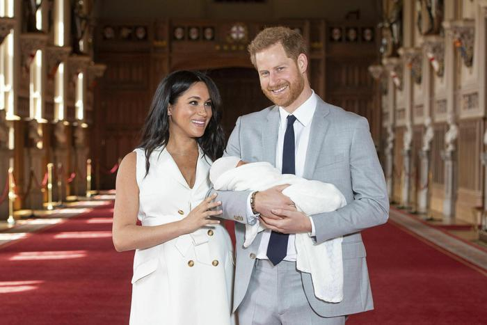 Photo of Clamorosa decisione in Gb: Harry e Meghan rinunciano al titolo di 'reali'