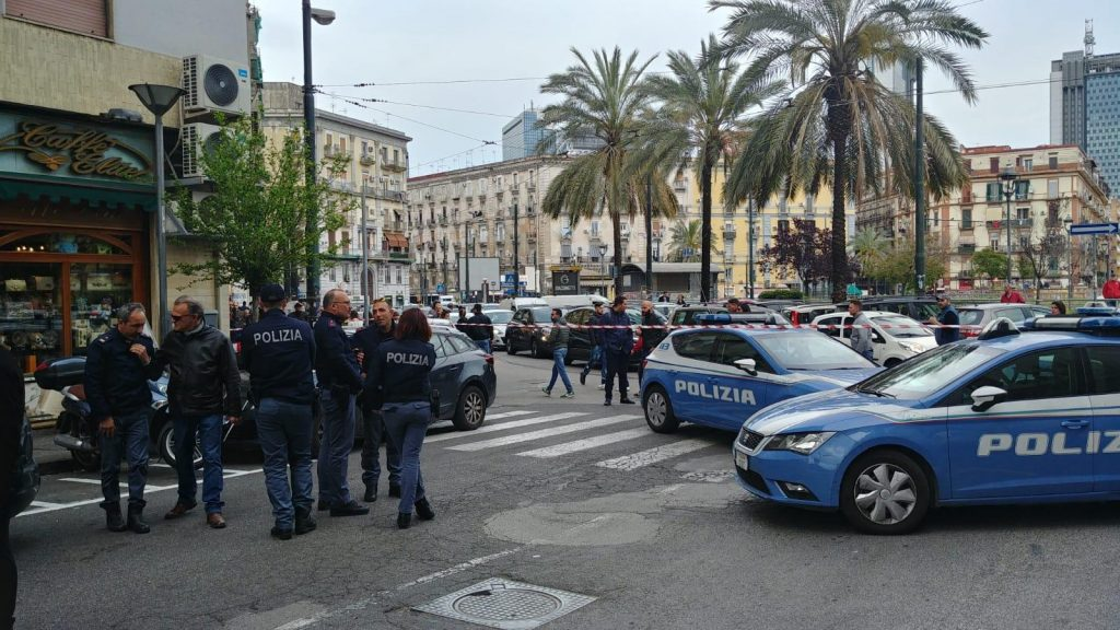 Photo of Napoli. Il killer che ha colpito Noemi ha le ore contate