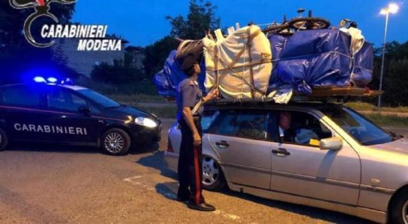 Photo of Carpi. Trasportava un'intera camera da letto nella propria auto, voleva trasferirla in Marocco