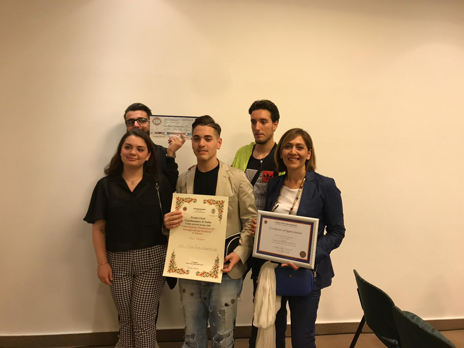 "Photo of Castellammare. All'istituto Ferrari il premio ""Come vorresti la tua Città"""