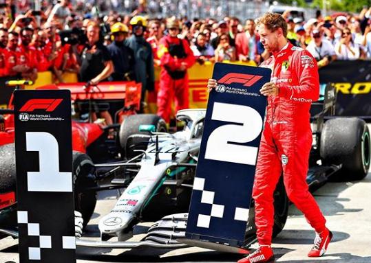 Photo of F1, Vettel vince ma viene penalizzato: il tedesco furioso toglie il segnaposto ad Hamilton (VIDEO)