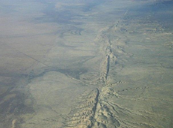 Photo of California. La terra continua a tremare, torna la paura per il possibile 'Big One'