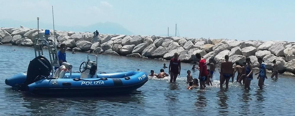 """Photo of """"Nuotiamo e surfiamo insieme a Mappatella Beach"""": dopo il successo della scorsa edizione, si amplia il progetto """"estate sicura"""" delle Fiamme Oro"""