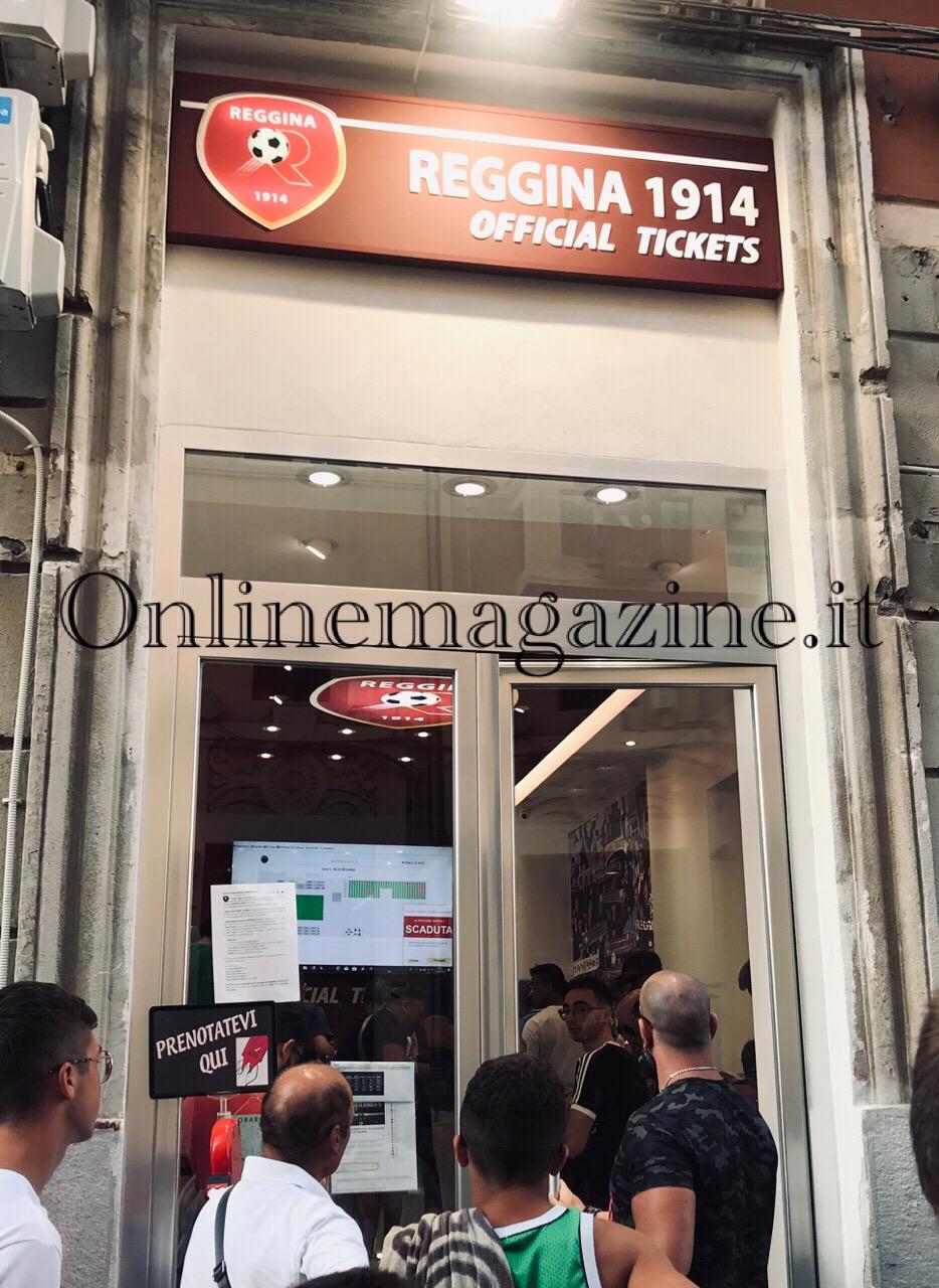 Photo of Reggina: stop allenamenti fino al 16 marzo, chiude anche lo Store di Piazza Duomo