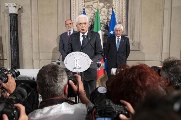 Sergio-Mattarella-Consultazioni