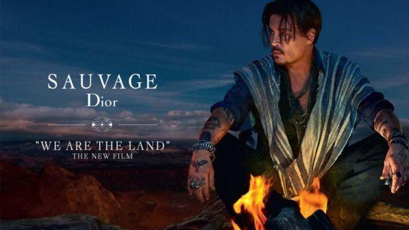 """Photo of Bufera su Johnny Depp e Dior. La nota azienda costretta ad eliminare lo spot del profumo, le accuse: """"Razzista e offensivo"""""""