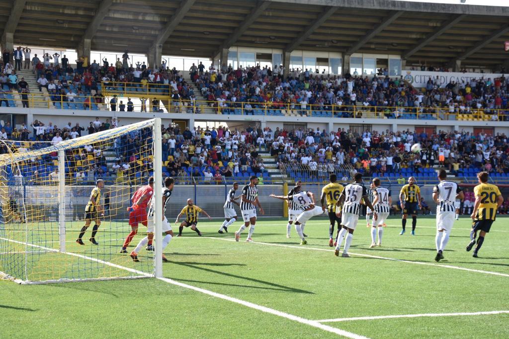 Photo of Juve Stabia, il secondo tempo è da horror: l'Ascoli ne fa una 5