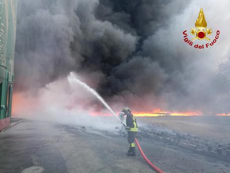 Photo of Avellino, la Procura indaga sul disastro ambientale: le analisi ambientali rassicurano la popolazione