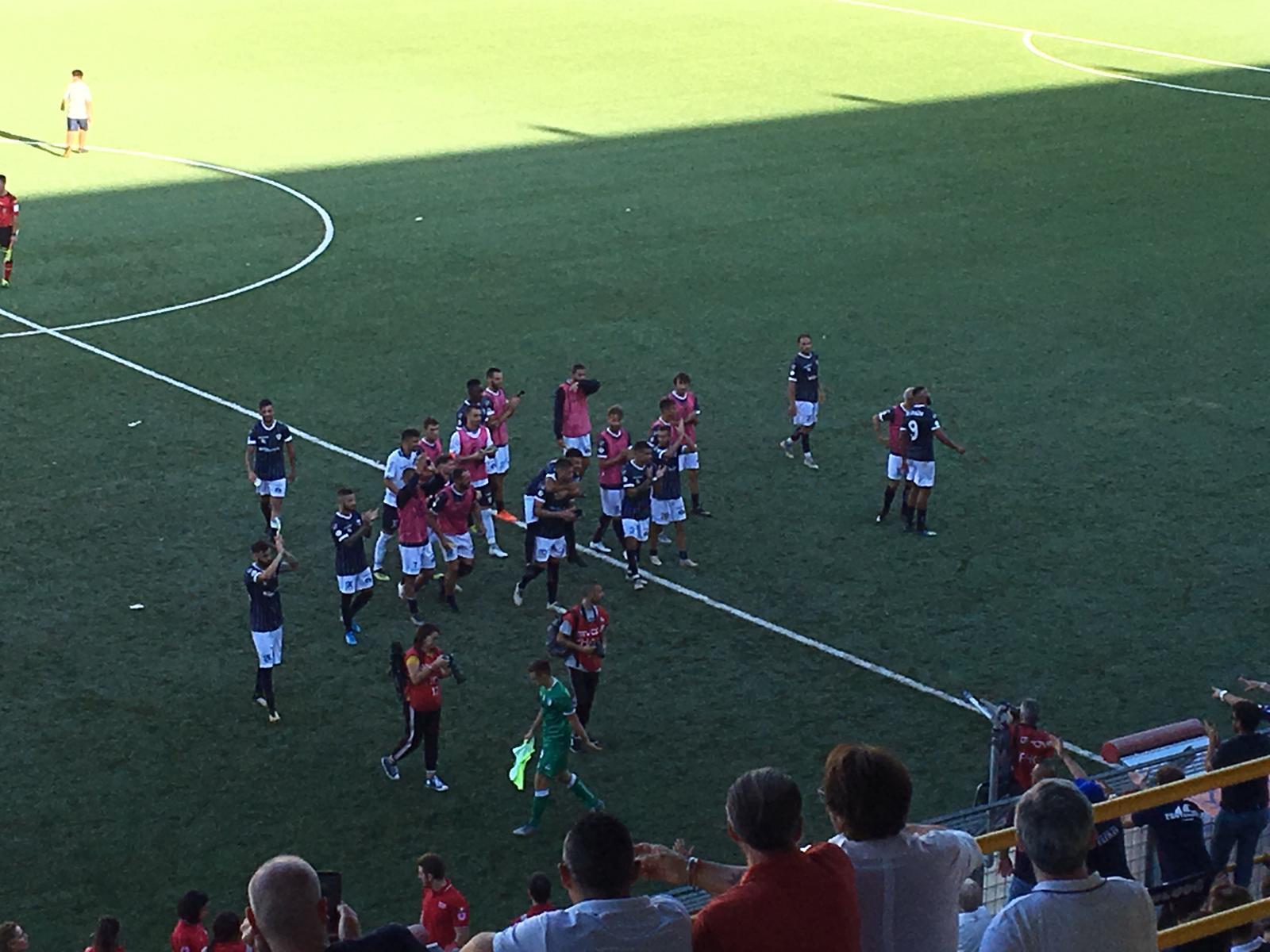 Photo of Il derby campano di C è della Cavese. Al Menti contro l'Avellino finisce 2 a 0 per gli aquilotti