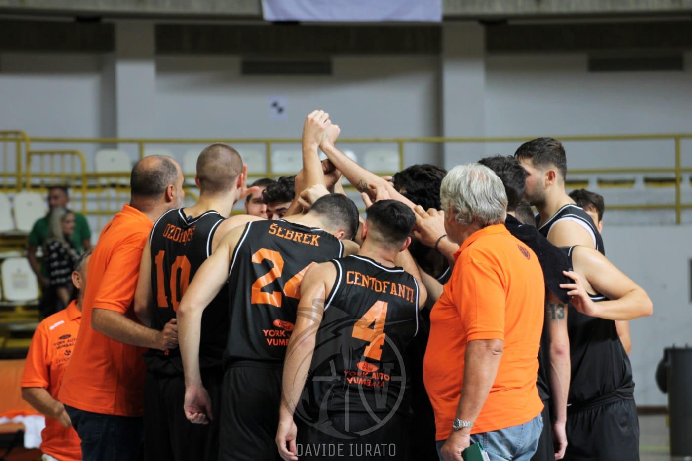 Photo of Basket. Esordio vincente per la Pallacanestro Viola contro la Vis Reggio Calabria