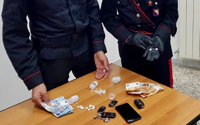 Photo of Gragnano. Sorpreso con cocaina e crack: carabinieri arrestano 21enne