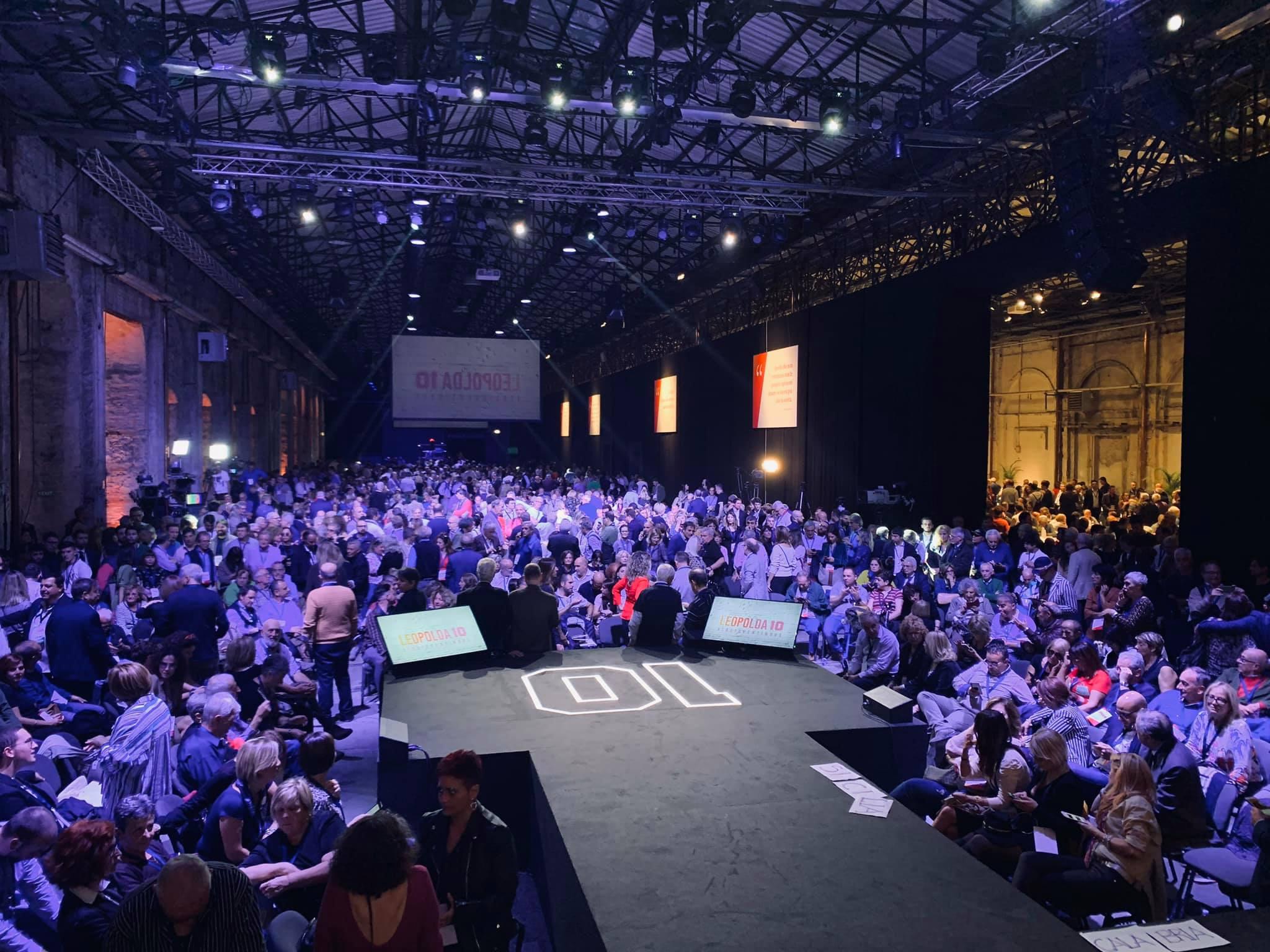 """Photo of Boom di presenze alla Leopolda, Renzi battezza Italia Viva: """"Commosso per la massiccia partecipazione"""""""
