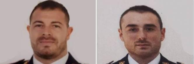 Photo of Trieste, poliziotti uccisi con cinque colpi di pistola: i sindacati puntano il dito contro le fondine