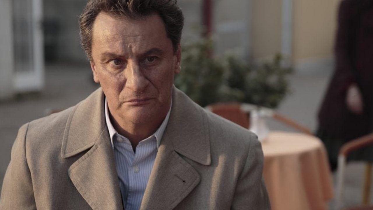 Photo of Giorgio Tirabassi colpito da infarto: l'attore è cosciente e rassicura tutti