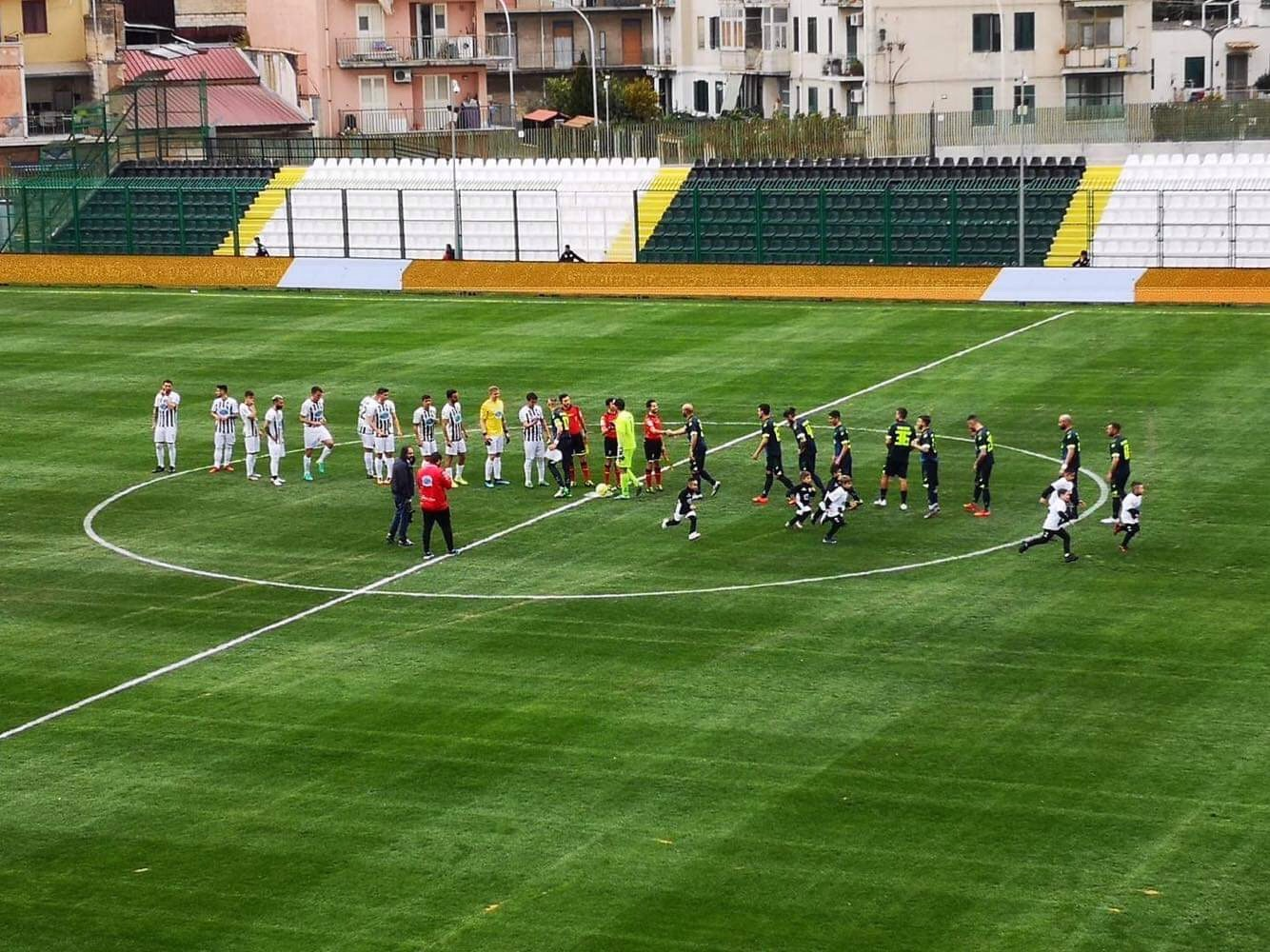 Photo of La Casertana si fa recuperare due gol dalla Sicula: a Lentini termina in pareggio, proteste nel finale
